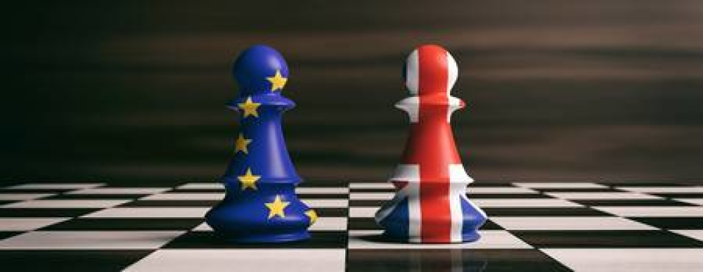 T3283270-brexit-concept-great-britain-and-european-union-flags-on-chess-pawns-soldiers-on-a-chessboardd-ill-320.jpg